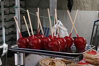 Manzanas_caramelizadas_en_rojo